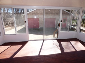 352-738327_enclosed_porch_2_54518848
